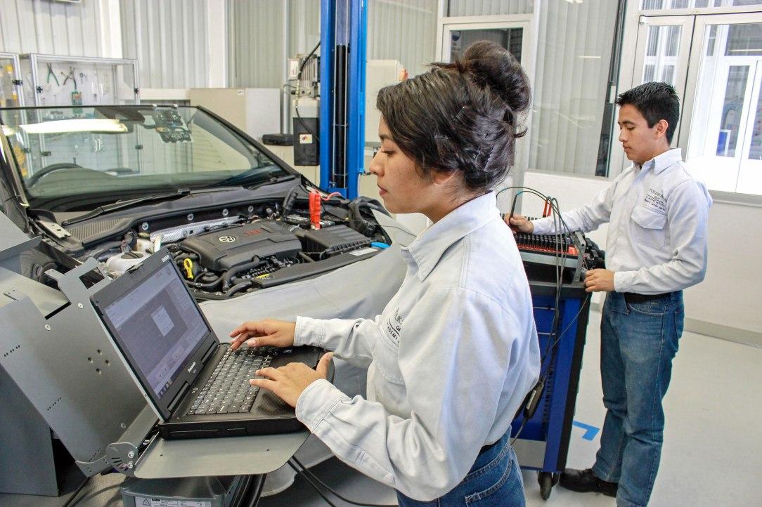 Volkswagen-de-Mexico-integra-una-nueva-especialidad-a-su-Centro-de-Formacion-Dual