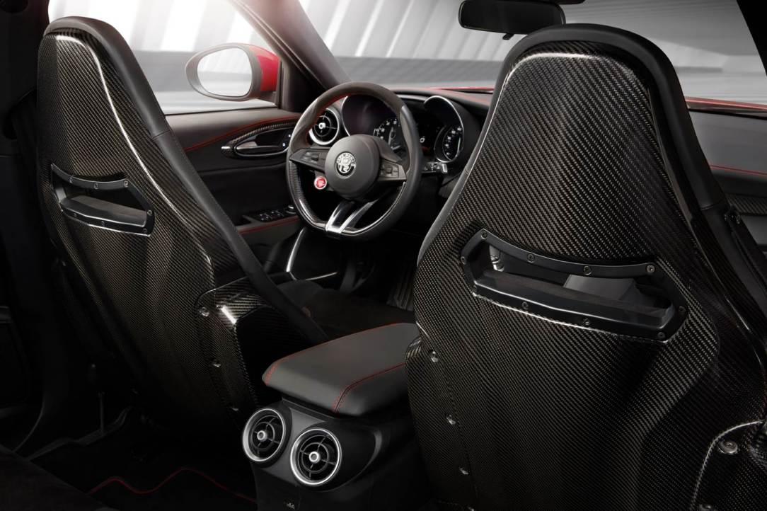Alfa Romeo Giulia Quadrifoglio int
