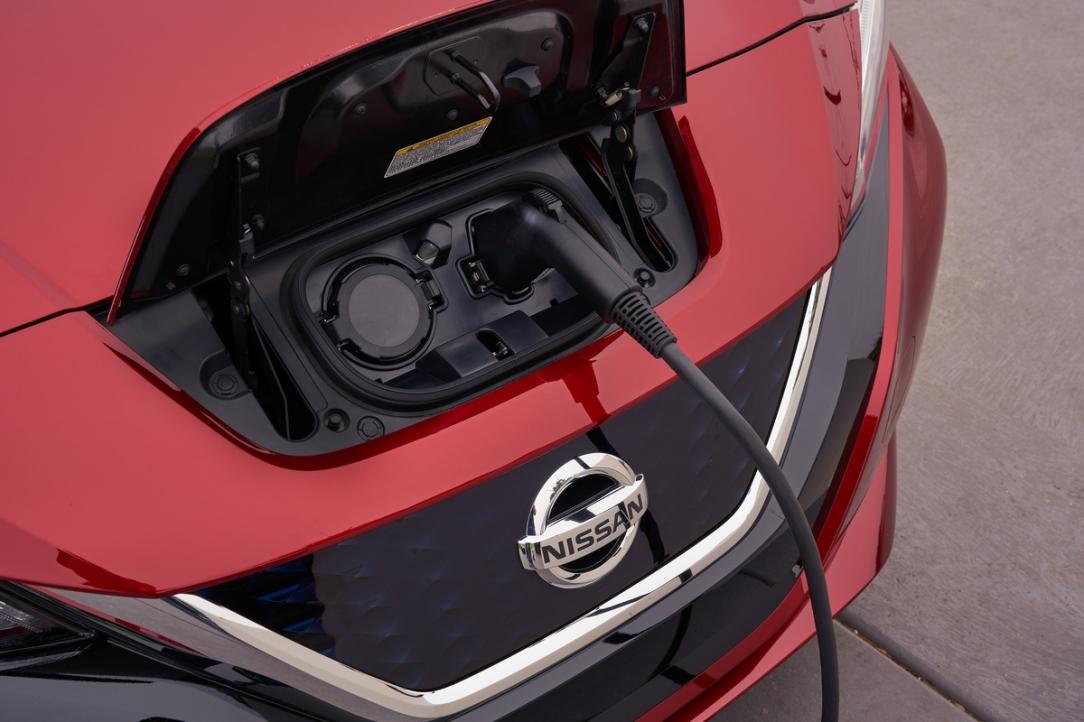 Nissan busca vender un millón de vehículos electrificados para