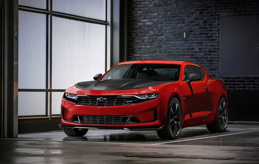 The 2019 Camaro Turbo 1LE joins the track-focused 1LE lineup, offering an FE3 suspension and new Track and Competitive Driving modes.