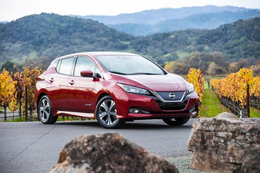 """Nissan LEAF 2018 es galardonado con el premio """"Auto Verde del"""