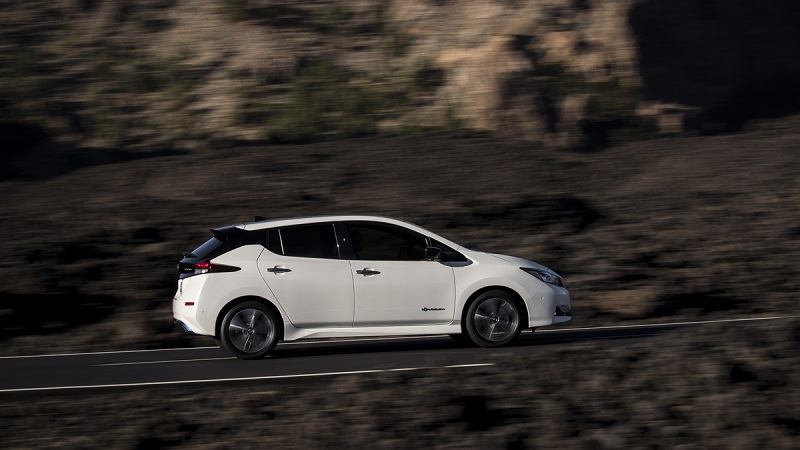 Nissan LEAF rebasa las 100 mil unidades vendidas en Japón