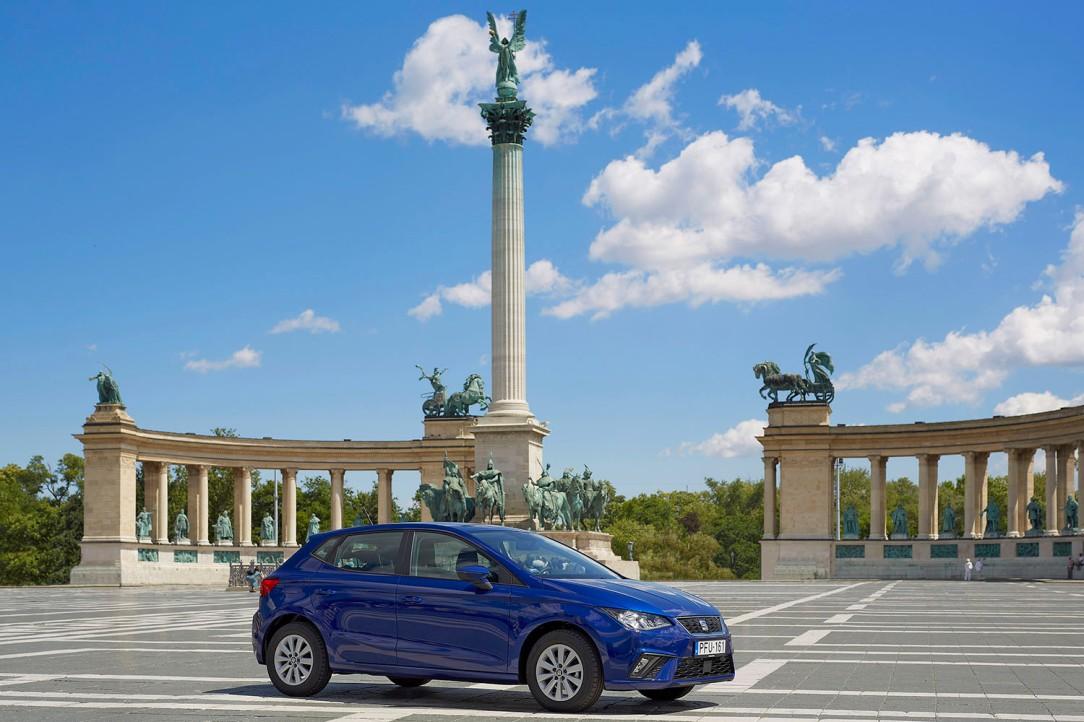 SEAT_Exploring_Places_En la capital de Hungría, Budapest, se puede recorrer el río Danubio o dar un paseo por la Plaza de los Héroes