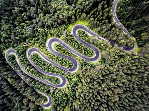 SEAT_Exploring_Places_La carretera de Transfagarasan es famosa por los 90 kilómetros de curvas que atraviesan los Cárpatos