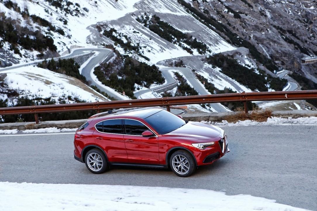 Alfa Romeo_Paso Stelvio
