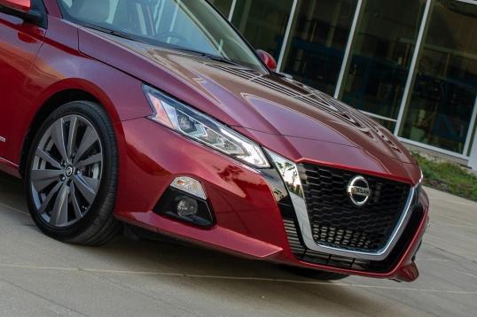 Presentado en el Auto Show de Nueva York 2018, la nueva generación de Nissan Altima genera de nueva cuenta la emoción al segmento del sedán de tamaño mediano.