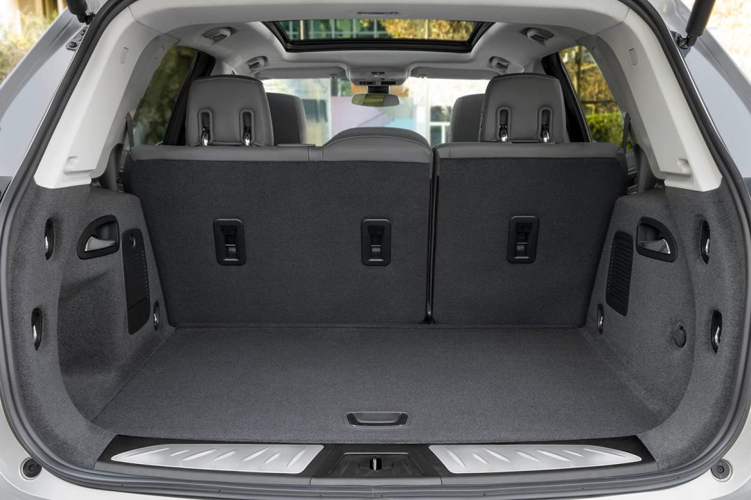 Buick Envision 2019 - Trunk