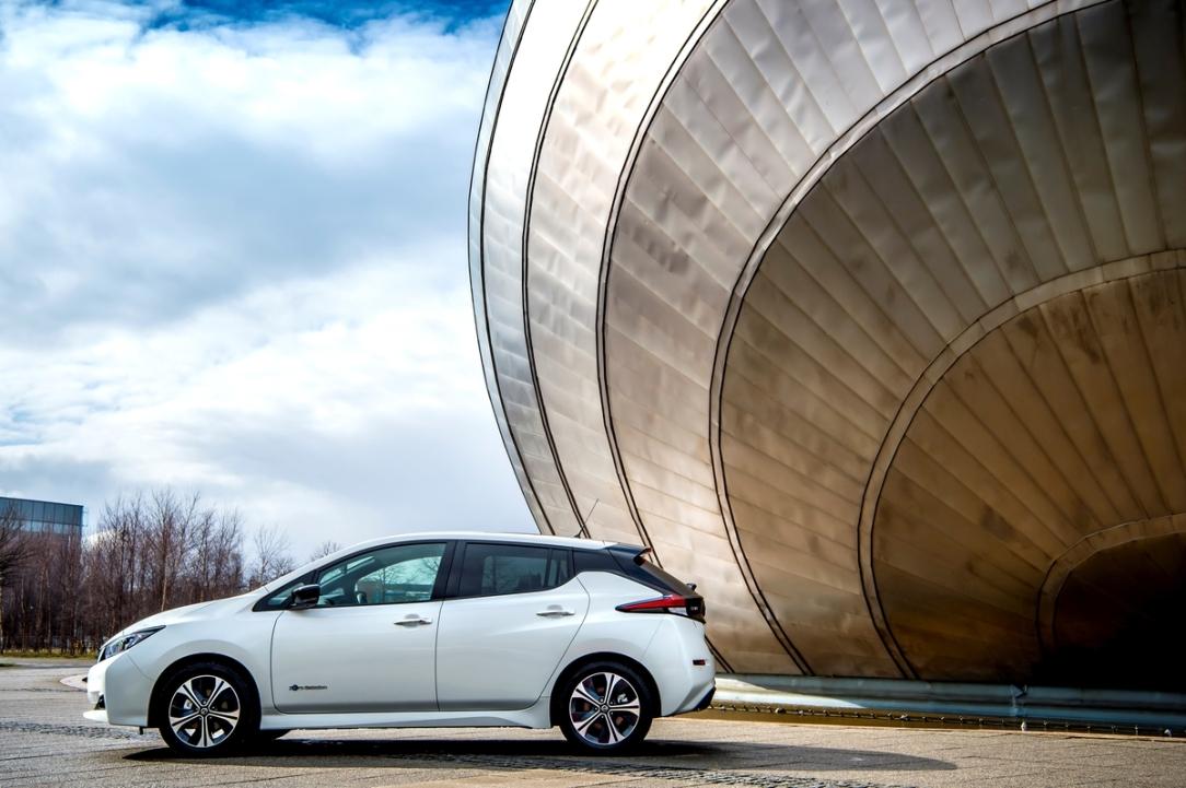 """El nuevo Nissan LEAF obtiene el premio al """"Mejor Vehículo ElÃ"""