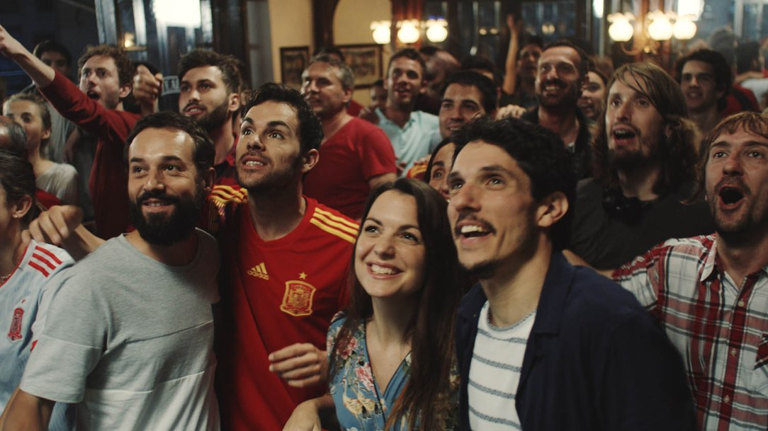 SEAT-in-the-streets-with-the-Spanish-National-Football-team_002_HQ