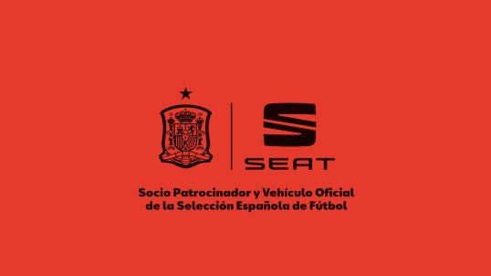 SEAT-in-the-streets-with-the-Spanish-National-Football-team_007_HQ