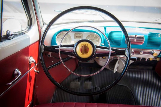 1950-SEAT-1400-steering-wheel_HQ