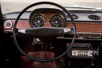 1970-SEAT-124-steering-wheel_HQ