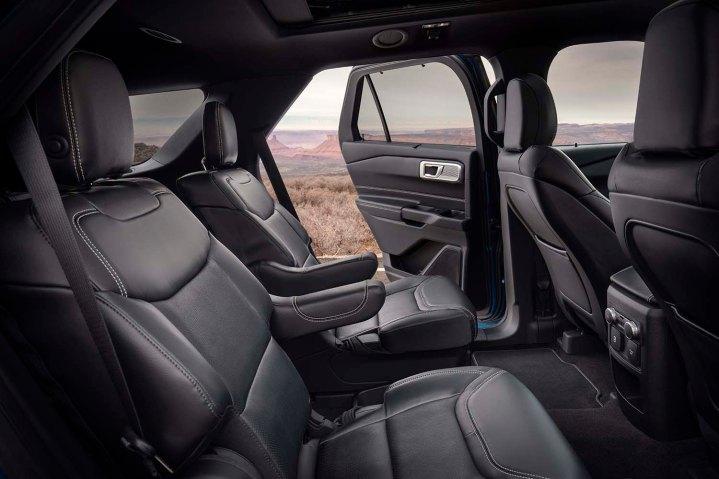 22 ford explorer interior
