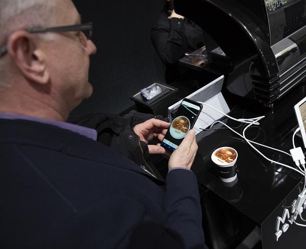 Demostración tecnológica: Nissan Invisible-to-visible