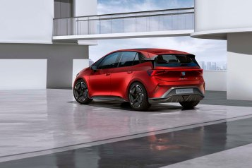 SEAT-el-Born-plugged-into-electric-mobility_06_HQ