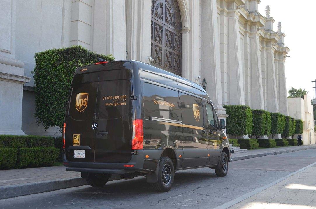 Mereceds Benz-UPS2