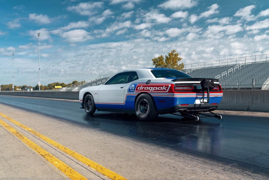 Mopar Dodge Challenger Drag Pak_2