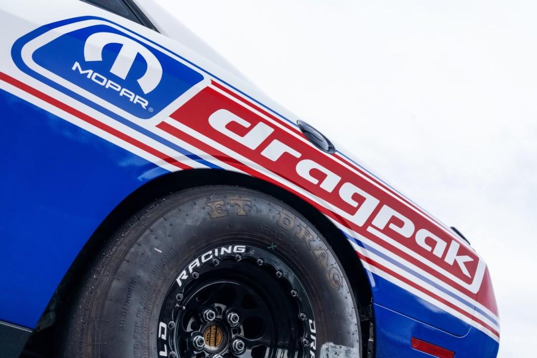 Mopar Dodge Challenger Drag Pak_7