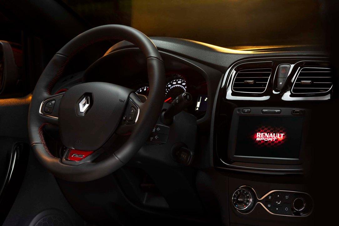 Sandero RS 2020 - Volante y Tablero