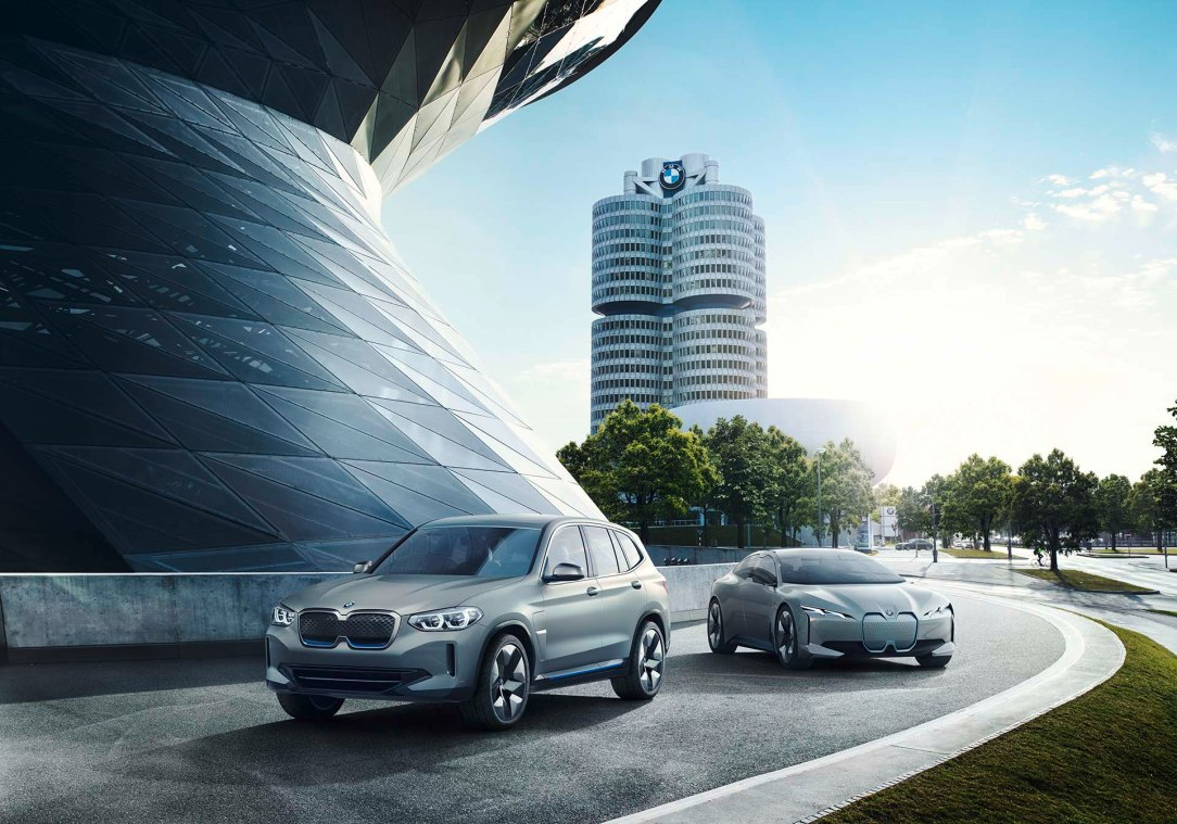 P90301488_highRes_bmw-concept-ix3-and-