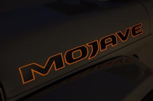 Jeep Gladiator Mojave 2020_5