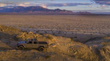 Jeep Gladiator Mojave 2020_8
