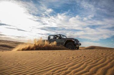 Jeep Gladiator Mojave 2020_9