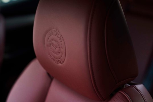 2020_100thSV_BRD11_EU_LHD_Mazda3_Seat_Emboss