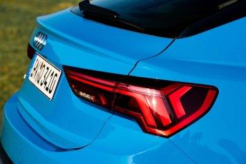 Detail, Colour: Turbo blue