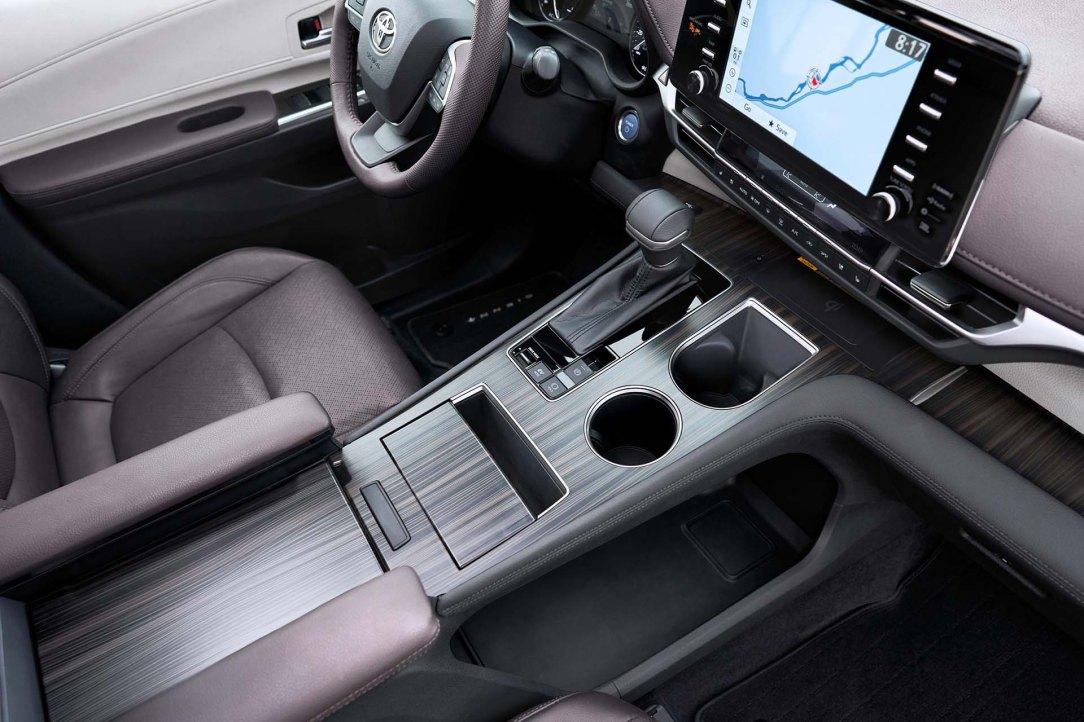 2021_Toyota_Sienna_Platinum_014-scaled