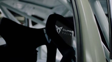 This-is-how-the-new-CUPRA-e-Racer-gears-up-to-compete_06_HQ