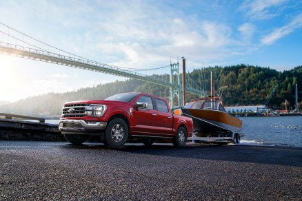 Available Pro Trailer Backup Assist makes backing up a trailer as easy as turning a knob; the feature continues in the all-new F-150 and is exclusive in the segment of full-size pickups under 8,500 pounds GVWR.