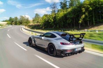 Mercedes-AMG GT Black Series (Kraftstoffverbrauch kombiniert: 12,8 l/100 km, CO2-Emissionen kombiniert: 292 g/km), 2020, Exterieur, Landstrasse, dynamisch, Heck, Seite, doppelter Heckflügel, Diffusor, hightechsilber Mercedes-AMG GT Black Series (combined fuel consumption: 12,8 l/100 km, combined CO2 emissions: 292 g/km), 2020, exterieur, public road, dynamic, rear, side, double rear wing, diffusor, hightechsilver