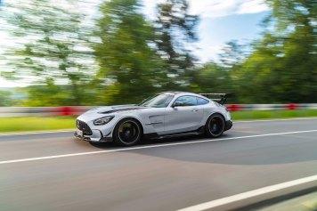 Mercedes-AMG GT Black Series (Kraftstoffverbrauch kombiniert: 12,8 l/100 km, CO2-Emissionen kombiniert: 292 g/km), 2020, Exterieur, Landstrasse, dynami sch, Seite, hightechsilber Mercedes-AMG GT Black Series (combined fuel consumption: 12,8 l/100 km, combined CO2 emissions: 292 g/km), 2020, exterieur, public road, dynamic, side, hightechsilver
