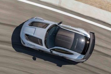 Mercedes-AMG GT Black Series (Kraftstoffverbrauch kombiniert: 12,8 l/100 km, CO2-Emissionen kombiniert: 292 g/km), 2020, Exterieur, Rennstrecke, dynamisch, Leichtbau-Dac h in Sicht-Carbon, hightechsilber, Carbon-Motorhaube mit zwei großen Luftauslässen Mercedes-AMG GT Black Series (combined fuel consumption: 12,8 l/100 km, combined CO2 emissions: 292 g/km), 2020, exterieur, race track, dynamic, leightweight-roof in visible carbon, hightechsilver, carbon hood with two large air outlets