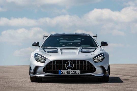 Mercedes-AMG GT Black Series (Kraftstoffverbrauch kombiniert: 12,8 l/100 km, CO2-Emissionen kombiniert: 292 g/km), 2020, Exterieur, Front, Frontdiffusor, Kühlergrill, Seite, hightechsilber Mercedes-AMG GT Black Series (combined fuel consumption: 12,8 l/100 km, combined CO2 emissions: 292 g/km), 2020, Exterieur, front, front diffusor, radiator grille, side, hightechsilver