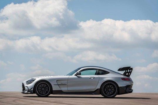 Mercedes-AMG GT Black Series (Kraftstoffverbrauch kombiniert: 12,8 l/100 km, CO2-Emissionen kombiniert: 292 g/km), 2020, Exterieur, Seite, hightechsilber Mercedes-AMG GT Black Series (combined fuel consumption: 12,8 l/100 km, combined CO2 emissions: 292 g/km), 2020, Exterieur, side, hightechsilver