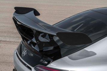 Mercedes-AMG GT Black Series (Kraftstoffverbrauch kombiniert: 12,8 l/100 km, CO2-Emissionen kombiniert: 292 g/km), 2020, Exterieur, Heck, doppelter Heckflügel, Aerodynamik, hightechsilber Mercedes-AMG GT Black Series (combined fuel consumption: 12,8 l/100 km, combined CO2 emissions: 292 g/km), 2020, Exterieur, rear, double rear wing, aerodynamics, hightechsilver