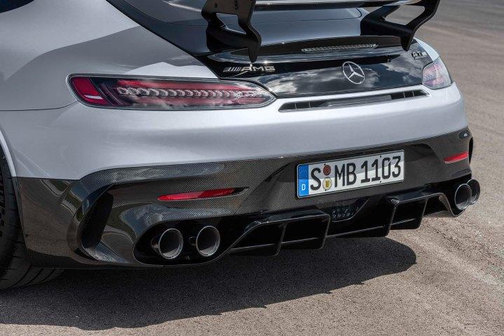 Mercedes-AMG GT Black Series (Kraftstoffverbrauch kombiniert: 12,8 l/100 km, CO2-Emissionen kombiniert: 292 g/km), 2020, Exterieur, Heck, Abgasanlage, Diffsuor, Aerodynamik, hightechsilber Mercedes-AMG GT Black Series (combined fuel consumption: 12,8 l/100 km, combined CO2 emissions: 292 g/km), 2020, Exterieur, rear, exhaust System, diffusor, hightechsilver