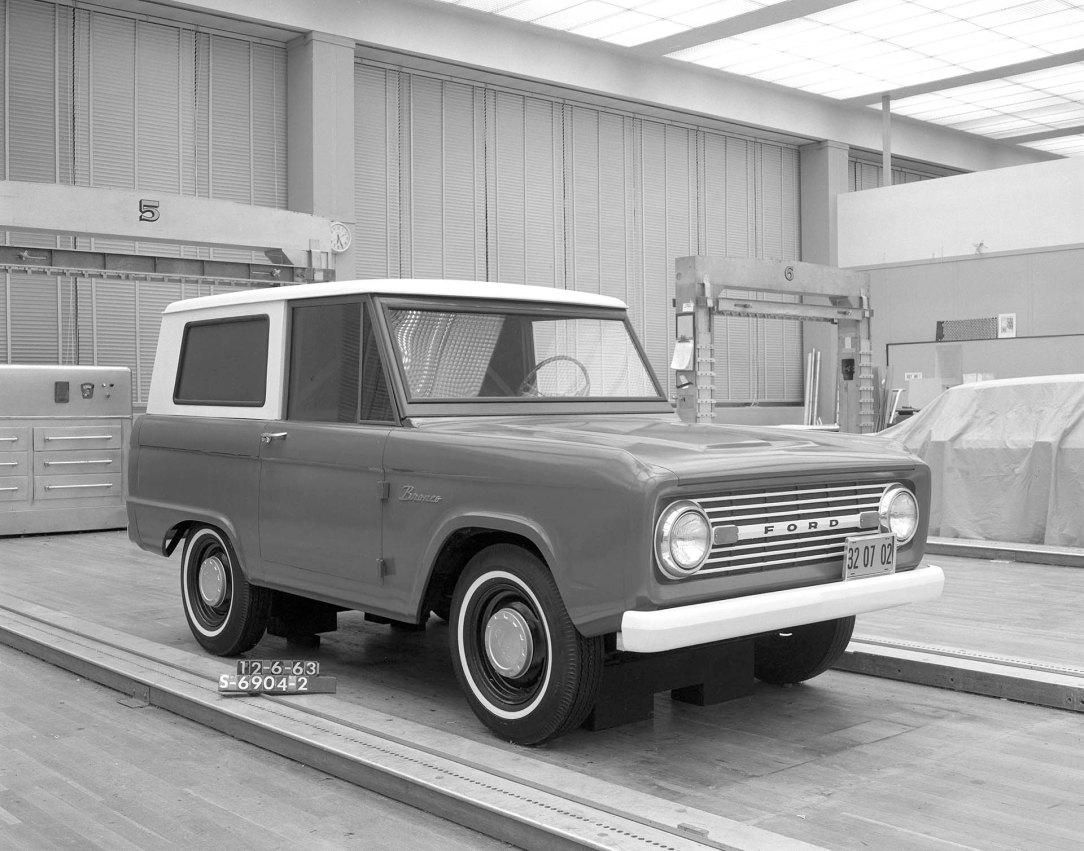 Bronco Gen 1 1966 MY S-6904-2