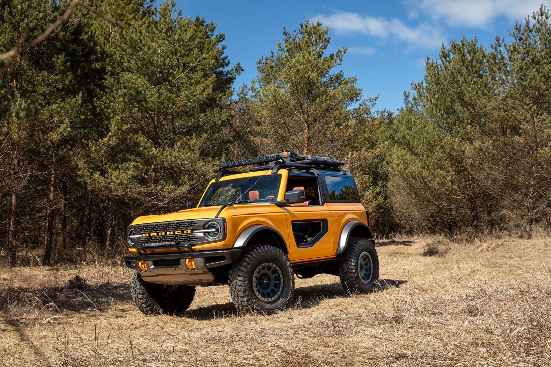 Bronco_2dr_features_01