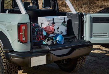 All 2021 Bronco two- and four-door models offer a swing-out tailgate for easier access to the cargo area, as shown on this four-door Bronco prototype. (Prototype not representative of production vehicle.)