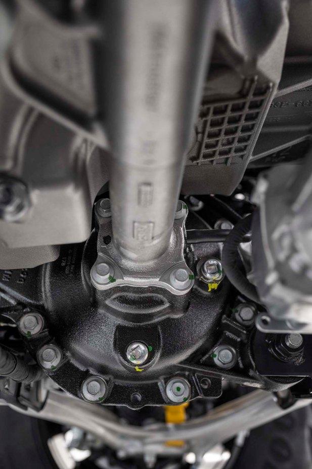 Closeup of Dana AdvanTEK independent front differential.
