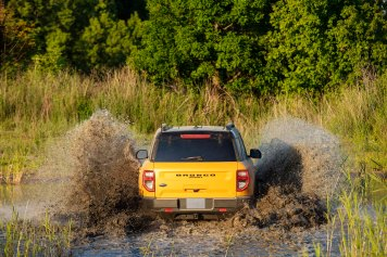 Bronco_Sport_exterior_27.jpg: The all-new Bronco Sport First Edition series can wade through up to 23.6 inches of water. (Pre-production model pictured.)