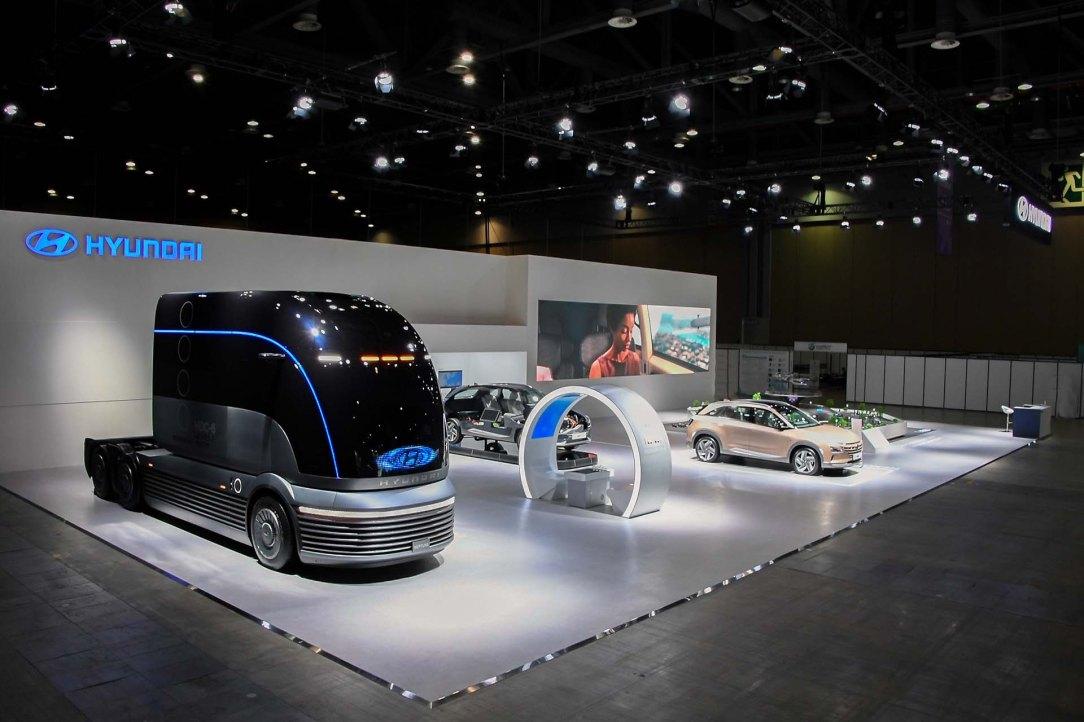 (Photo 4) HMC at H2 Mobility + Energy Show