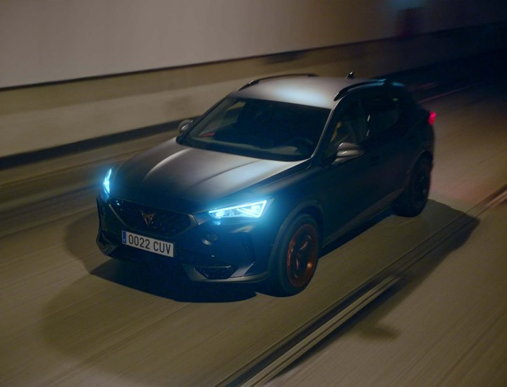 The-CUPRA-Formentor-becomes-the-official-car-of-FC-Barcelona_05_HQ