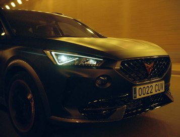 The-CUPRA-Formentor-becomes-the-official-car-of-FC-Barcelona_09_HQ