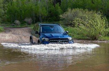 Mercedes-Benz GLS 580 4MATIC Offroad Experience, brillantblau metallic;Kraftstoffverbrauch kombiniert: 10,1-9,8 l/100 km; CO2-Emissionen kombiniert: 230-223 g/km* (vorläufige Werte) Mercedes-Benz GLS 580 4MATIC Offroad Experience, brilliant blue metallic;Fuel consumption combined: 10.1-9.8 l/100 km; combined CO2 emissions: 230-223 g/km* (provsional figures)